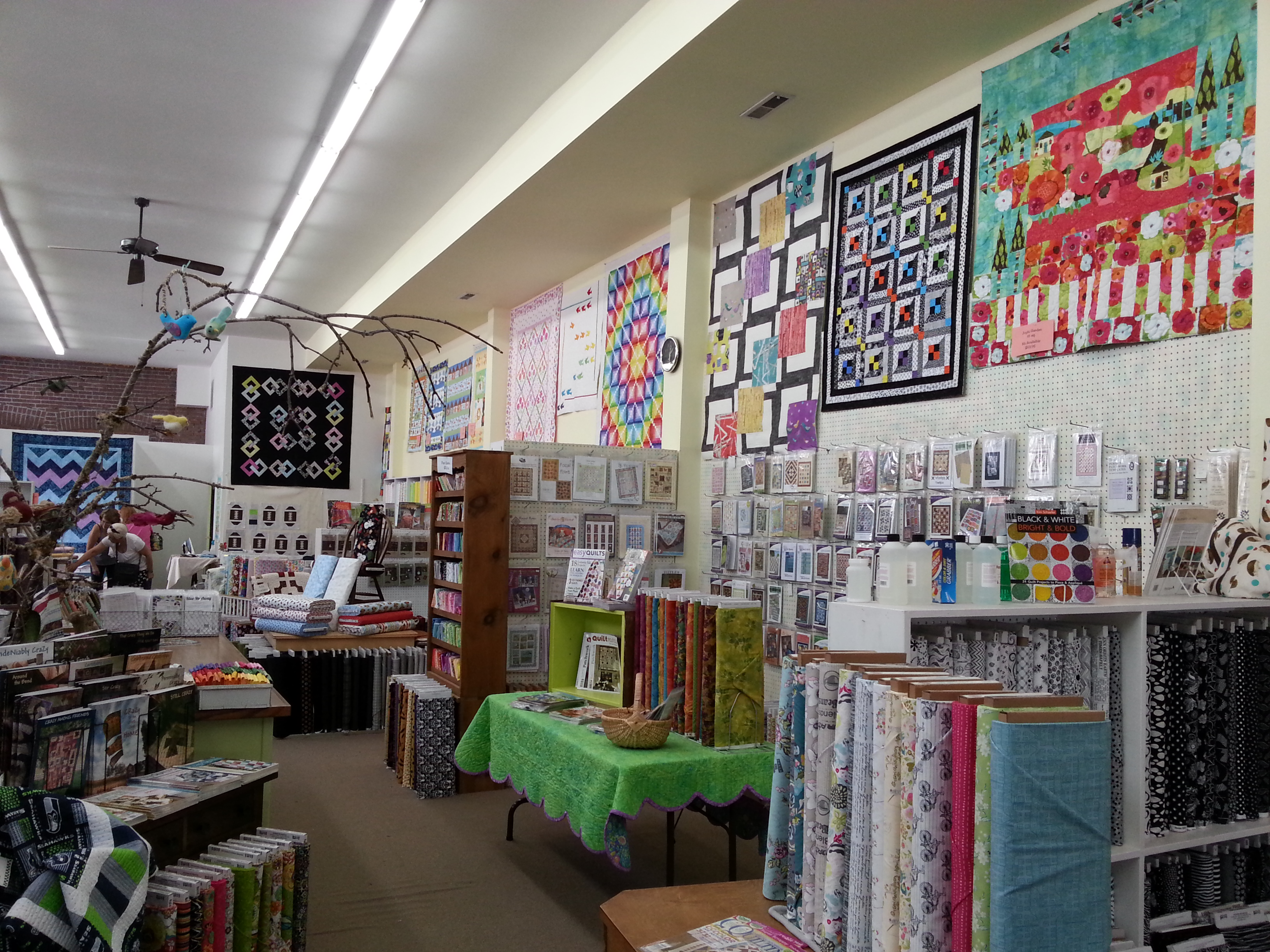 Quilt Shop Tour of Calico Creations, Mount Vernon, WA | Dragonfly ... : creations quilt shop - Adamdwight.com