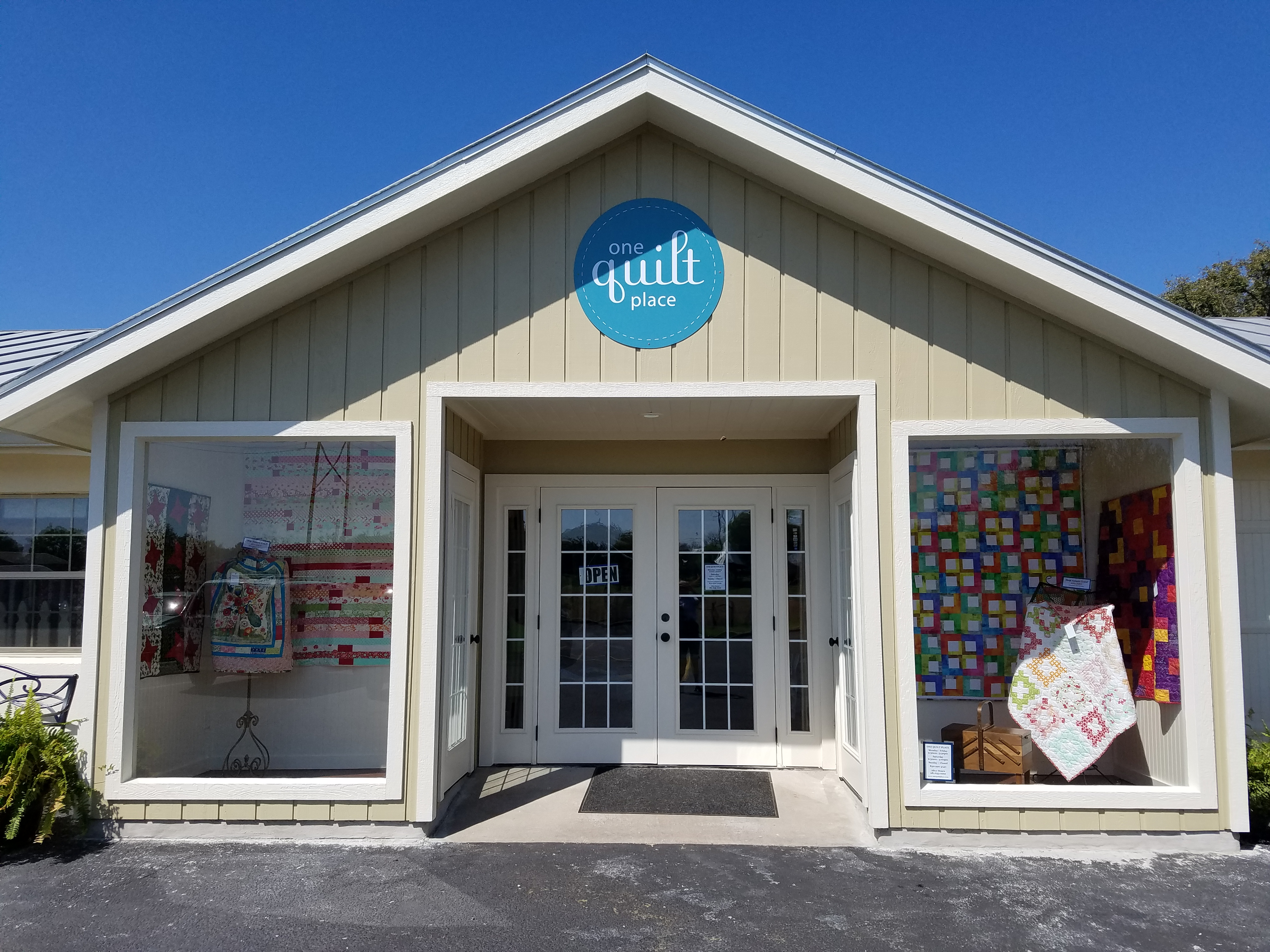 One Quilt Place, Fredericksburg, TX | Dragonfly Quilts Blog : one quilt place - Adamdwight.com